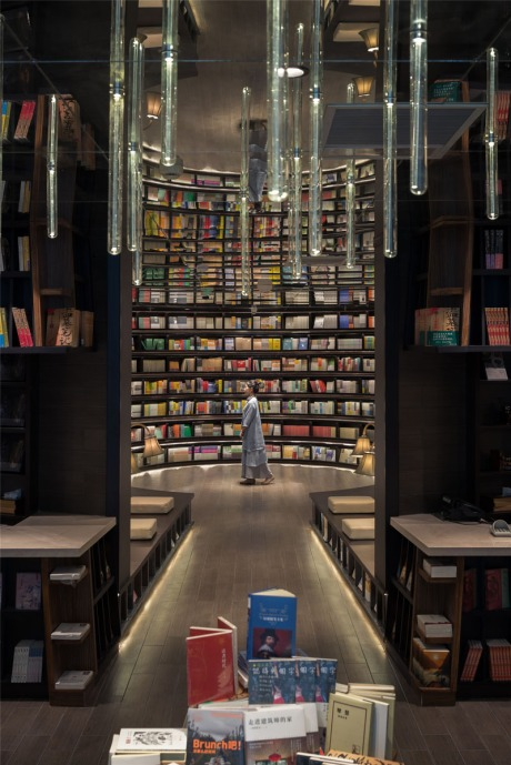 book-store_200516_06a